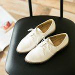 春コーデに取り入れて。ナチュラルファッションにおすすめの『白シューズ』10選  ファッション記事 | キナリノ – 暮らしを素敵に丁寧に。