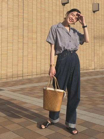 『開襟シャツ』でつくる、夏のヴィンテージスタイルの楽しみ方。  ファッション記事 | キナリノ – 暮らしを素敵に丁寧に。